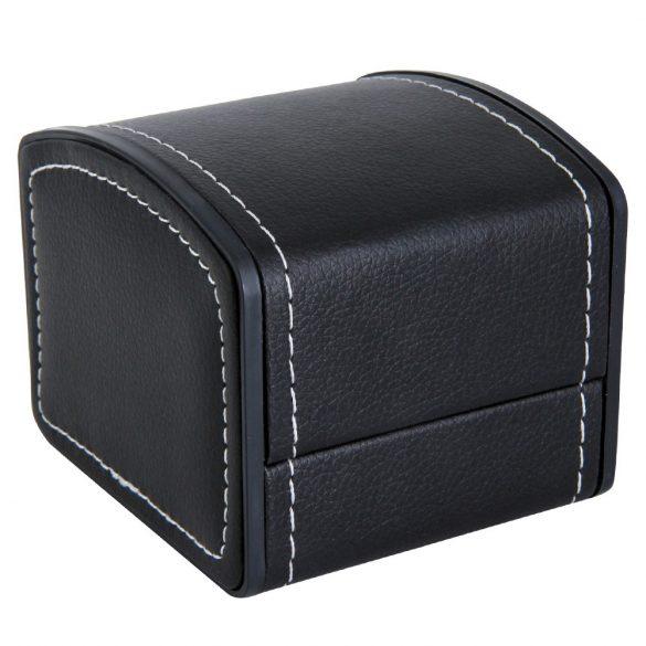 Logo nélküli karóra doboz, kívűl fekete műbőr borítású, belűl párnás kialakítás